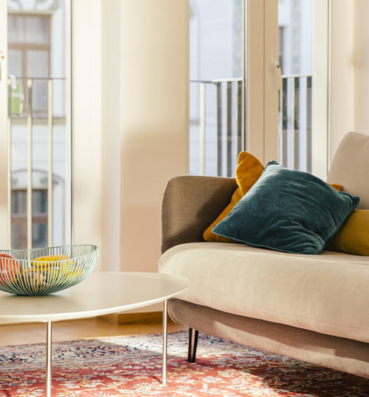 Wohnzimmer mit Sofa