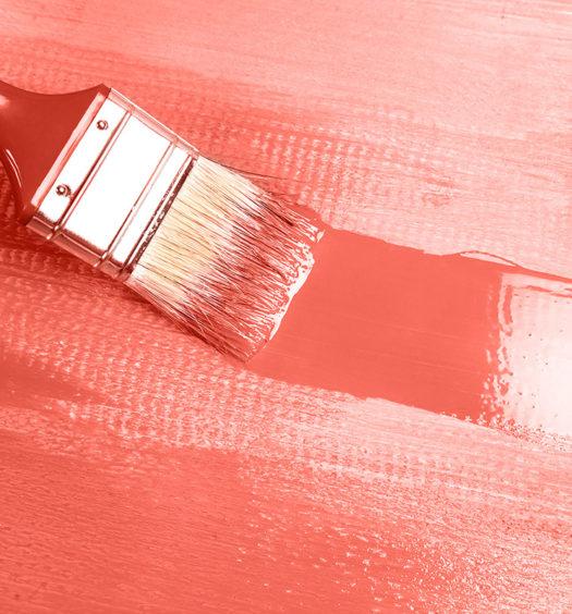 Pinsel mit Farbe